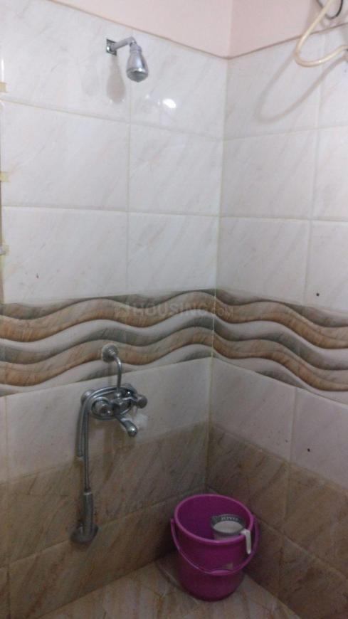 Common Bathroom Image of 1200 Sq.ft 2 BHK Independent House for rent in Murugeshpalya for 22000