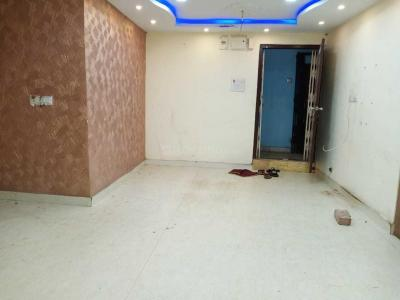Gallery Cover Image of 1200 Sq.ft 3 BHK Apartment for rent in Tiljala for 15000
