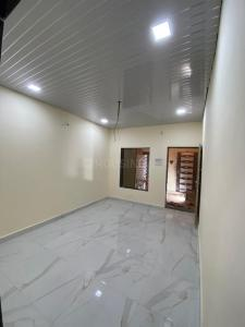 Gallery Cover Image of 420 Sq.ft 1 BHK Independent House for buy in Malad West for 3500000