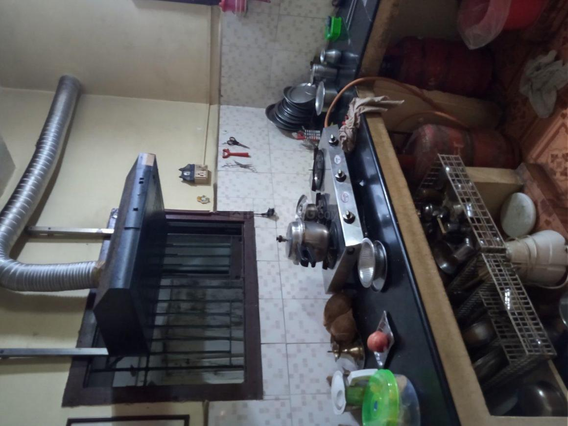 Kitchen Image of 700 Sq.ft 2 BHK Apartment for buy in Anna Nagar for 5600000