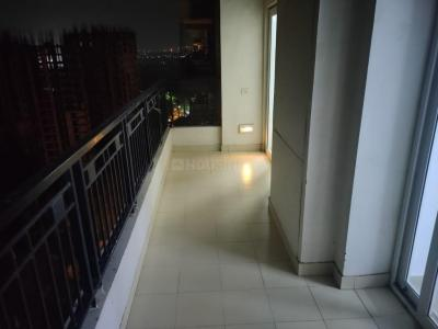 Gallery Cover Image of 1390 Sq.ft 3 BHK Apartment for rent in Gulshan Ikebana, Sector 143 for 22000