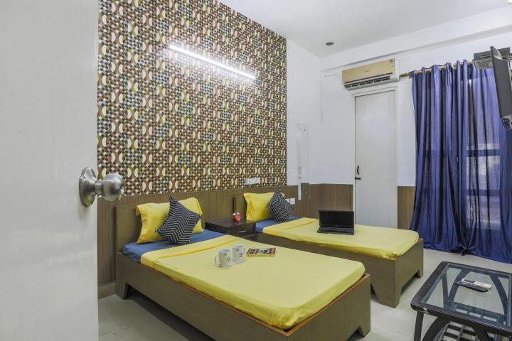 Bedroom Image of Oyo Life Ol_grg1975 in Sector 39
