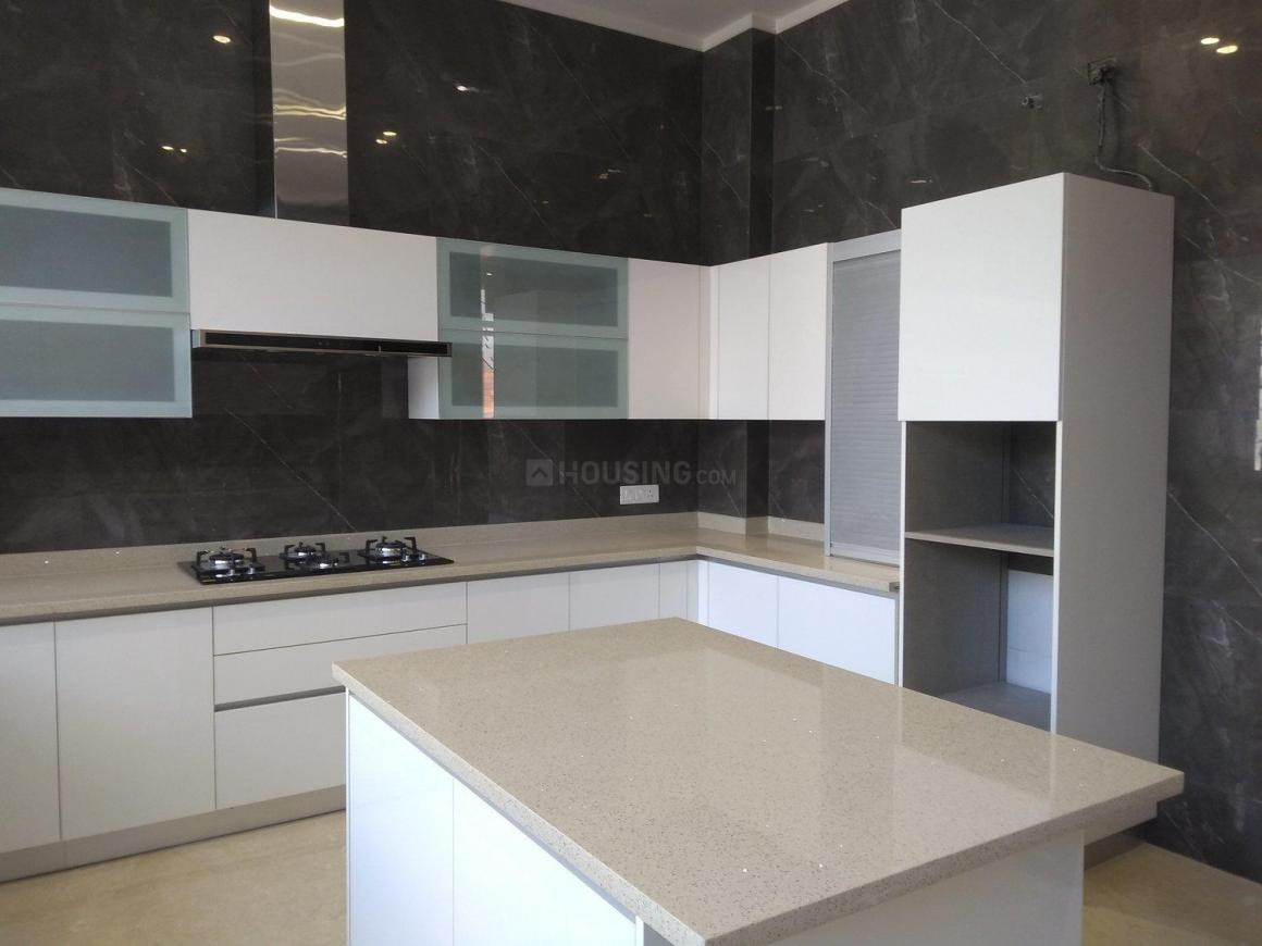 Kitchen Image of 9000 Sq.ft 5 BHK Independent House for buy in Sat Bari for 80000000
