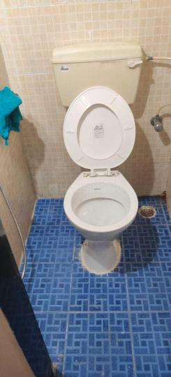 Common Bathroom Image of 400 Sq.ft 1 RK Apartment for rent in Tardeo for 40000