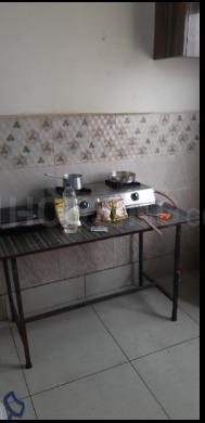 लक्ष्मी नगर में रिद्धि सिद्धि गर्ल्स पीजी में किचन की तस्वीर