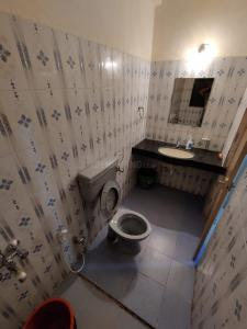 Bathroom Image of Lock And Key Independent Room With Ac, Bed, Wardrobe, Fridge, Gas And Attached Washroom in Bandra West