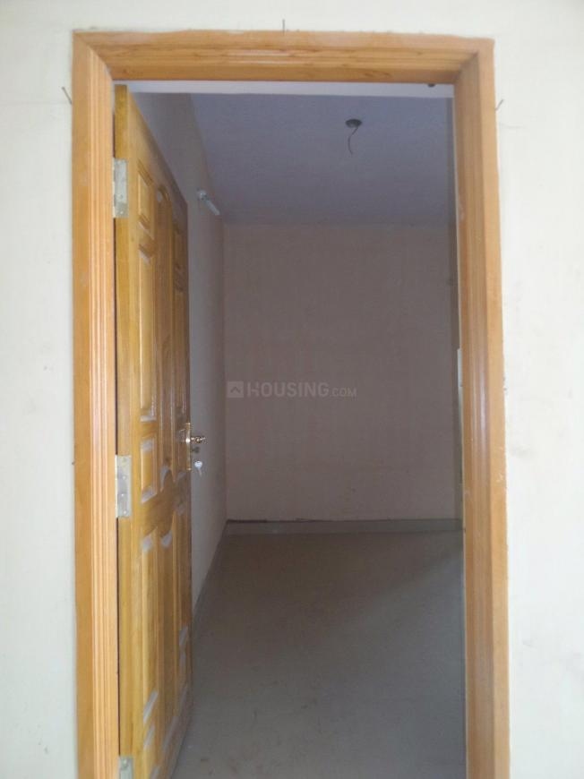 Main Entrance Image of 850 Sq.ft 1 BHK Apartment for buy in Surappattu for 3200000