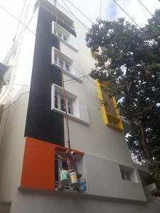 Gallery Cover Image of 1200 Sq.ft 2 BHK Independent Floor for rent in Rajajinagar for 25000