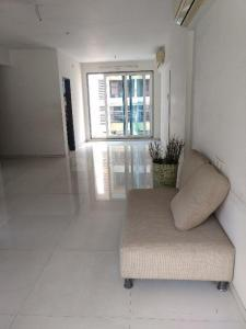 Gallery Cover Image of 2310 Sq.ft 3 BHK Apartment for rent in Nerul for 100000