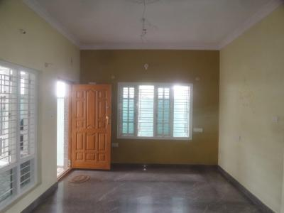 Gallery Cover Image of 900 Sq.ft 2 BHK Independent Floor for rent in Varanasi for 12000
