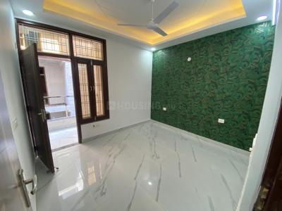 Gallery Cover Image of 650 Sq.ft 2 BHK Independent Floor for buy in Krishna Avenue, Sector 7 for 3500000