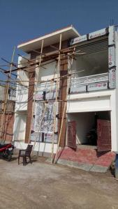 Gallery Cover Image of 1500 Sq.ft 3 BHK Independent House for buy in Vrindavan Yojna for 5250000