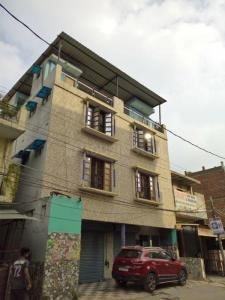 Gallery Cover Image of 4500 Sq.ft 4 BHK Independent House for buy in Badarpur for 20500001
