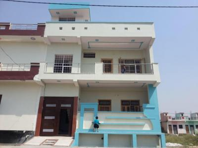 Gallery Cover Image of 2200 Sq.ft 3 BHK Independent House for rent in Modinagar for 18000
