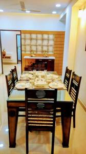 Gallery Cover Image of 1840 Sq.ft 3 BHK Apartment for buy in Vrindavan Yojna for 8150000