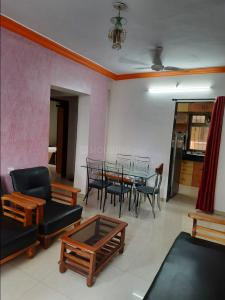 Gallery Cover Image of 610 Sq.ft 1 BHK Apartment for rent in Dadar West for 42500