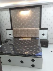 Gallery Cover Image of 1400 Sq.ft 2 BHK Apartment for rent in Ashok Nagar for 25000