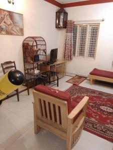 Gallery Cover Image of 1000 Sq.ft 1 BHK Independent Floor for rent in Domlur Layout for 32000