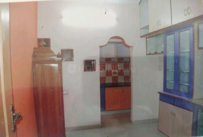 Gallery Cover Image of 600 Sq.ft 2 BHK Independent House for rent in Palace Guttahalli for 8000