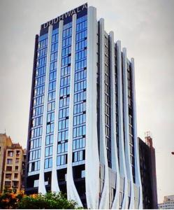 Gallery Cover Image of 1450 Sq.ft 2 BHK Apartment for rent in Mumbai Central for 90000