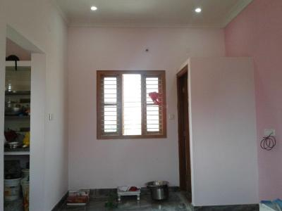 Gallery Cover Image of 600 Sq.ft 1 BHK Independent Floor for rent in Electronic City for 8000
