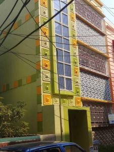 Gallery Cover Image of 1050 Sq.ft 3 BHK Apartment for rent in Bansdroni for 20000