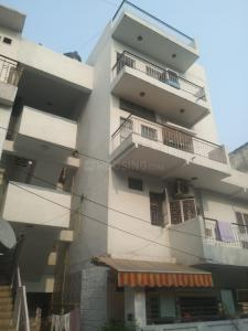 Gallery Cover Image of 900 Sq.ft 2 BHK Apartment for rent in Ber Sarai for 26000