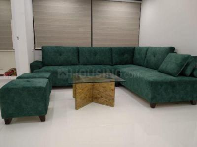 Gallery Cover Image of 1015 Sq.ft 3 BHK Apartment for buy in Malad West for 26000000