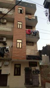 Gallery Cover Image of 450 Sq.ft 1 BHK Independent Floor for buy in Sector 25 Rohini for 2500000