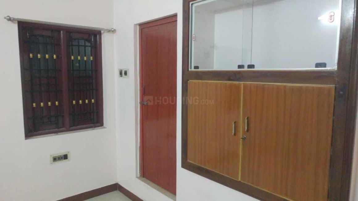 Bedroom Image of 1000 Sq.ft 2 BHK Independent Floor for rent in Ambattur for 12000