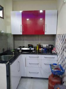Gallery Cover Image of 600 Sq.ft 1 BHK Independent Floor for rent in Chhattarpur for 13500