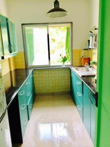 Gallery Cover Image of 1400 Sq.ft 2 BHK Apartment for rent in Koregaon Park for 45000