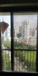 Gallery Cover Image of 1300 Sq.ft 3 BHK Apartment for rent in Sai Platinium, Andheri West for 75000