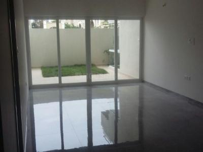 Gallery Cover Image of 900 Sq.ft 2 BHK Apartment for rent in Magarpatta City for 26000