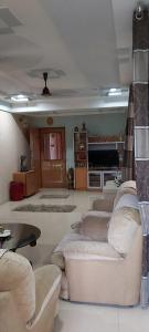 Gallery Cover Image of 1980 Sq.ft 3 BHK Apartment for buy in Chandkheda for 8000000