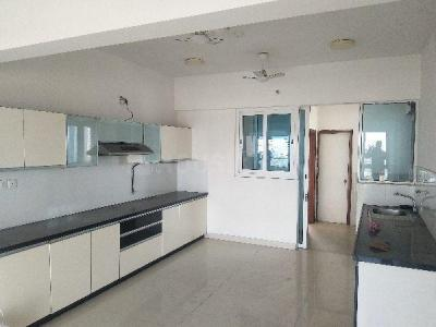 Gallery Cover Image of 3200 Sq.ft 4 BHK Apartment for rent in Amanora Aspire Towers, Hadapsar for 60000