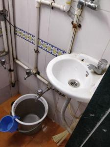 Bathroom Image of PG For Boys In Marine Lines in Marine Lines
