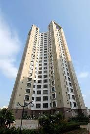 Gallery Cover Image of 1080 Sq.ft 2 BHK Apartment for rent in Oberoi Parkview, Kandivali East for 45000