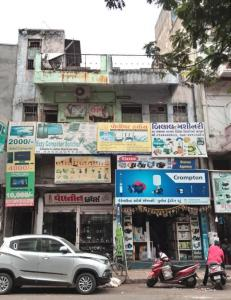 Gallery Cover Image of 540 Sq.ft 2 BHK Independent Floor for buy in Kalupur for 4000000