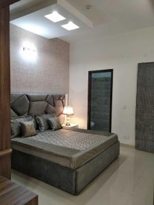 Gallery Cover Image of 1048 Sq.ft 3 BHK Villa for buy in Gazipur for 6990000