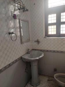 Bathroom Image of Saanu PG in Sector 48