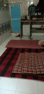 Gallery Cover Image of 150 Sq.ft 1 RK Independent House for buy in Malad West for 2000000