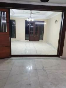 Gallery Cover Image of 1170 Sq.ft 2 BHK Apartment for rent in DLF Phase 1 for 38000