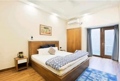 Gallery Cover Image of 2700 Sq.ft 3 BHK Apartment for rent in Malviya Nagar for 120000