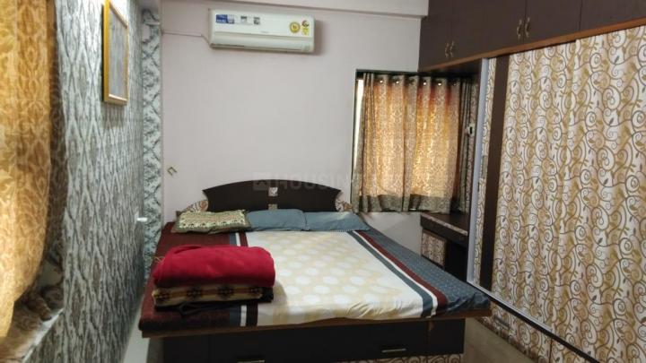 श्यामल में होमली के बेडरूम की तस्वीर