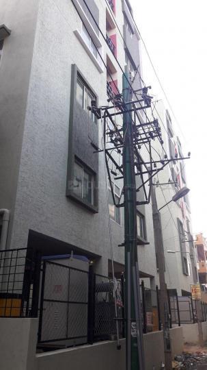 जीबी पाल्य में श्री वारी पीजी में बिल्डिंग की तस्वीर