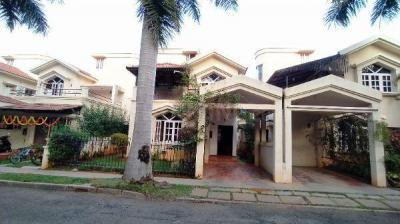 Gallery Cover Image of 1550 Sq.ft 3 BHK Villa for buy in Adarsh Palm Meadows, Whitefield for 22500000