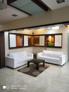 Gallery Cover Image of 1165 Sq.ft 2 BHK Apartment for rent in Chembur for 50000