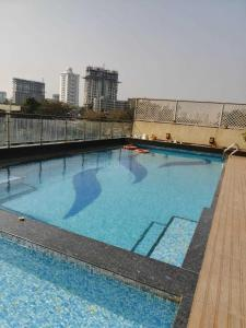 Gallery Cover Image of 1450 Sq.ft 3 BHK Apartment for rent in Borivali East for 45000