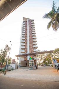 Gallery Cover Image of 2460 Sq.ft 3 BHK Apartment for rent in SNN Raj Spiritua, Banashankari for 65000